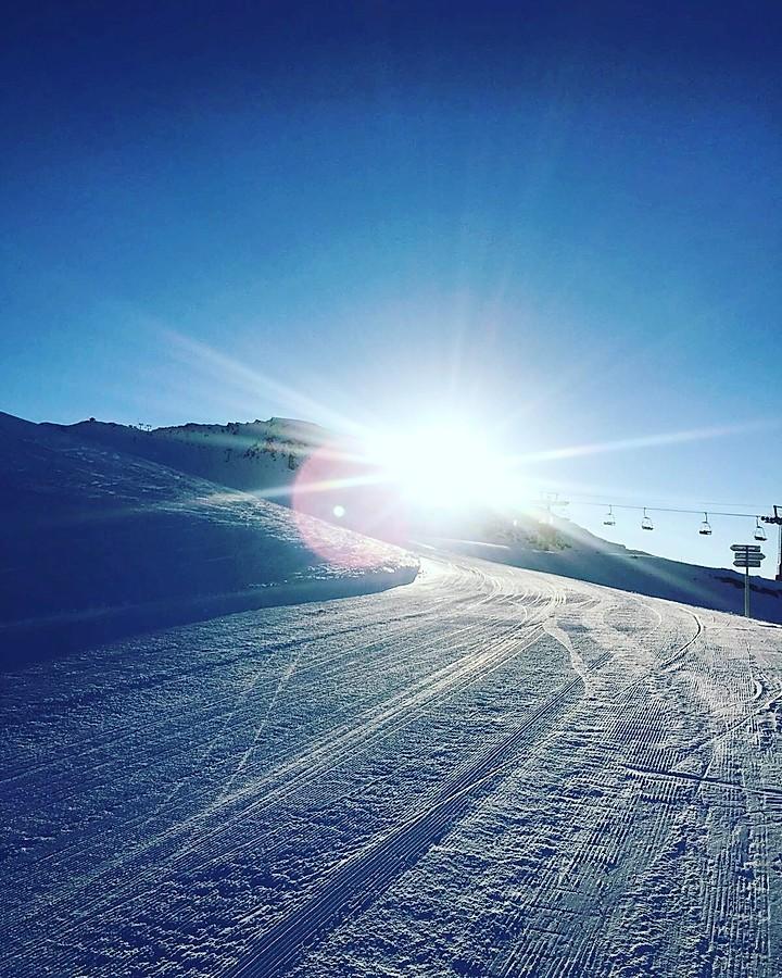 Piste de ski avec un Kiné du sport paris